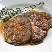 Carne Assada Recheada com Cenoura. Clique para mais informações.