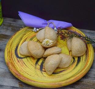 Mini Pastel Minas com Alho Poró Integral (10 unidades) . Clique para mais informações.