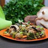 Lombo e Calabresa com Legumes e Shitake. Clique para mais informações.