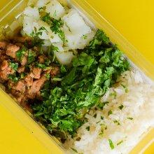 Músculo Bovino, arroz, feijão, batata e couve congelado. Clique para mais informações.