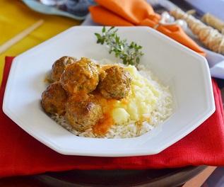 Almôndegas de Carne, Purê de Batatas e Arroz. Clique para mais informações.