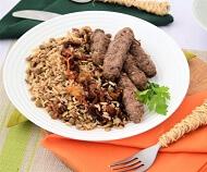 Kafta Grelhada, Arroz com Lentilhas e Cebolas Douradas. Clique para mais informações.