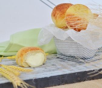 Pão de Batata com Catupiry (4  unidades). Clique para mais informações.