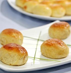 Pão de Batata de Frango com Catupiry (4 unidades). Clique para mais informações.