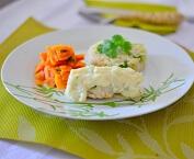 Filé de Peixe Gratinado, Arroz Integral com Brócolis e Cenoura. Clique para mais informações.