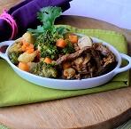 Iscas de Carne ao Shoyo com Brócolis, Couve-flor e Cenoura. Clique para mais informações.