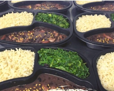 Feijoada Fit com Arroz Integral e Couve