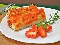 Panqueca de Carne com Molho de Tomate