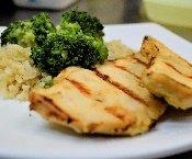 Arroz integral com brócolis e frango grelhado Congelado. Clique para mais informações.
