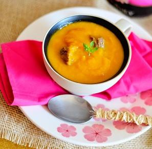 Sopa Creme de Legumes. Clique para mais informações.
