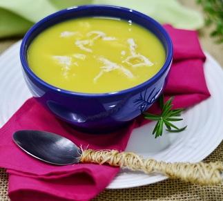 Sopa de Mandioquinha com Frango. Clique para mais informações.