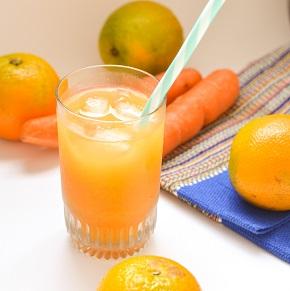 Suco de Laranja com Cenoura. Clique para mais informações.